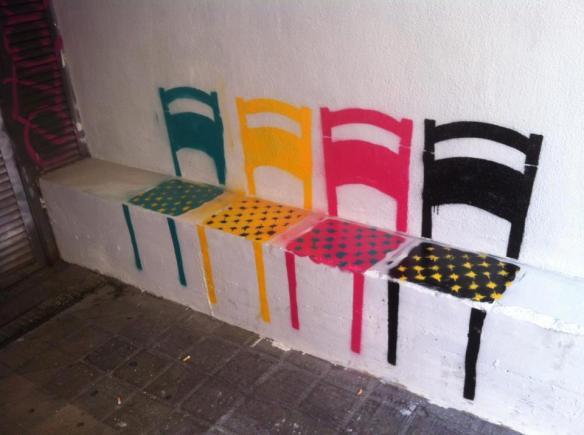 street-art-chairs